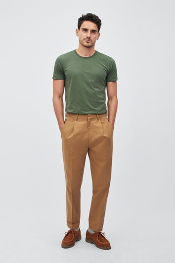 Pleated Stretch Chinos